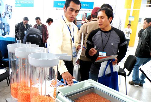 Feria-Expoacuicola-Perú-ovas-de-trucha-exhibidos-por-aquatech